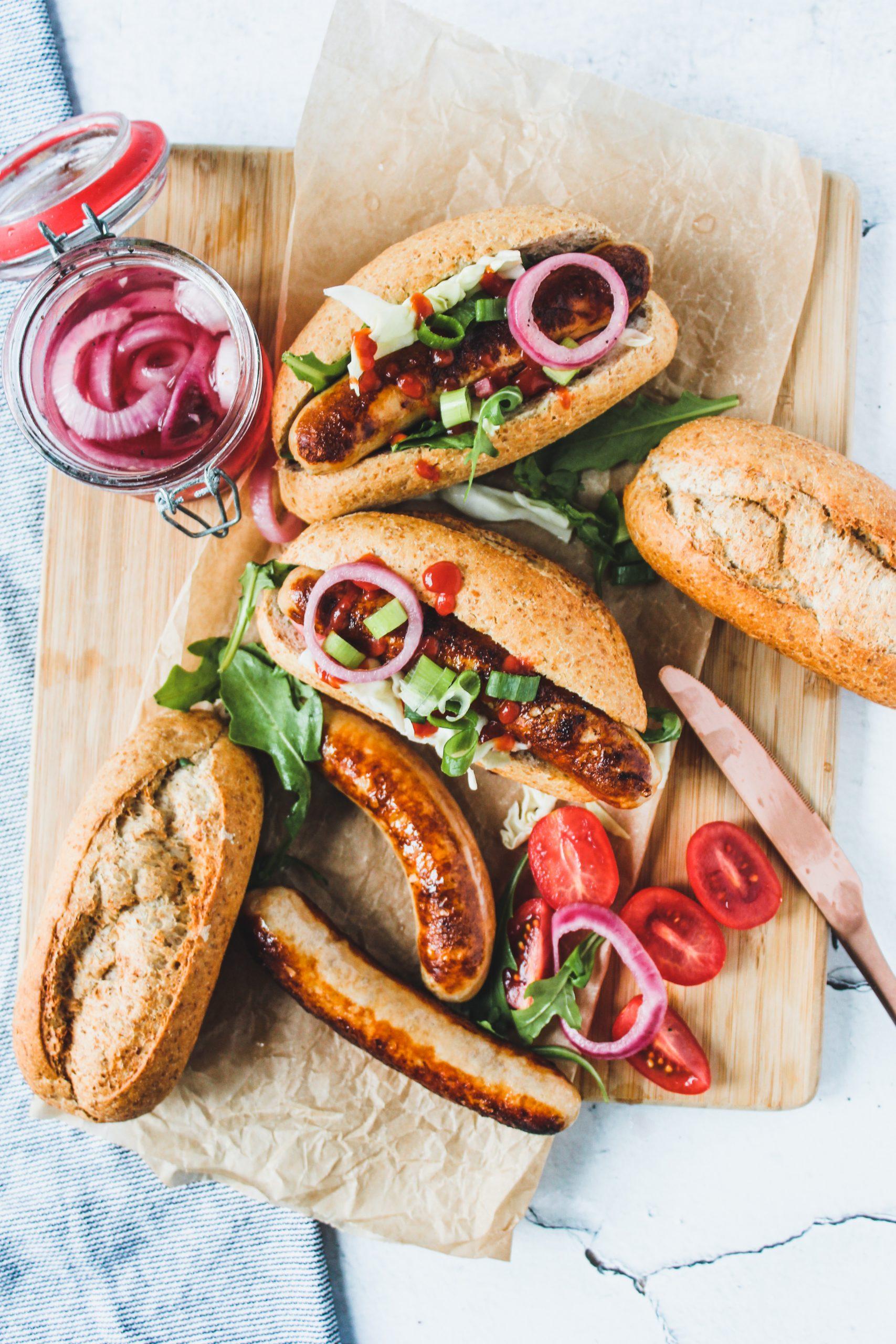 Hotdogs met ingemaakte groenten
